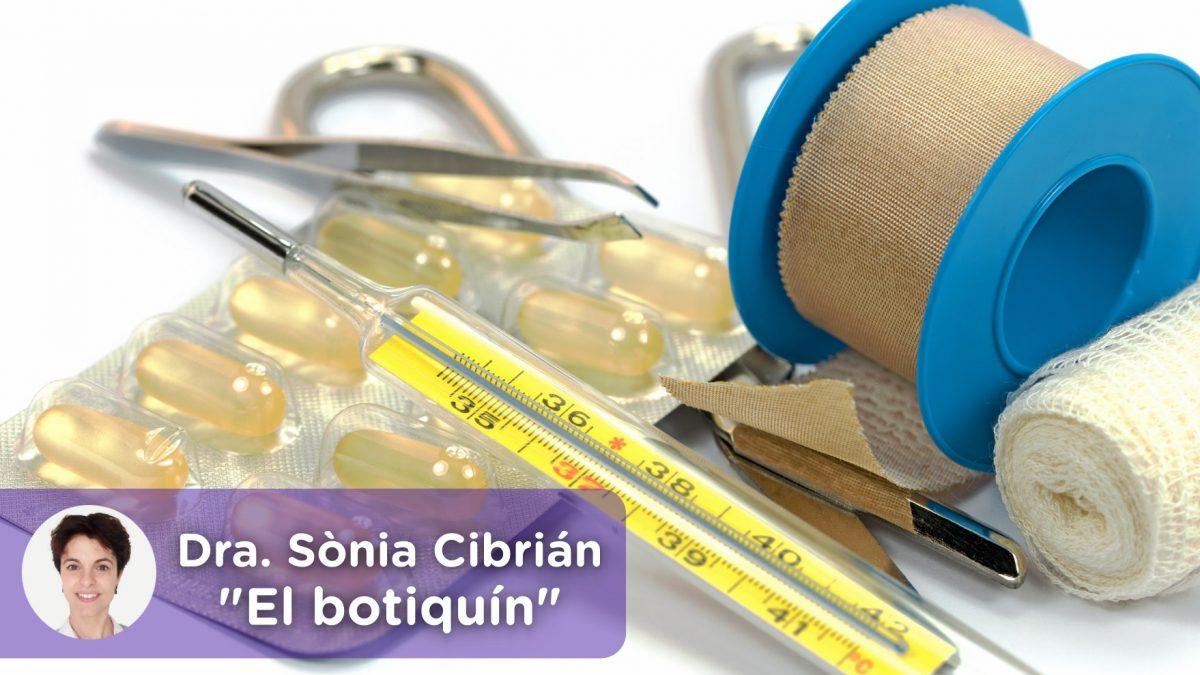 El botiquín, analgésicos, antitérmicos, termómetro, esparadrapo, pastillas, kit de emergencia, tijeras